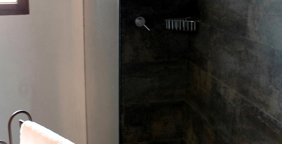 Show can jordi ibiza villa bathroom shower