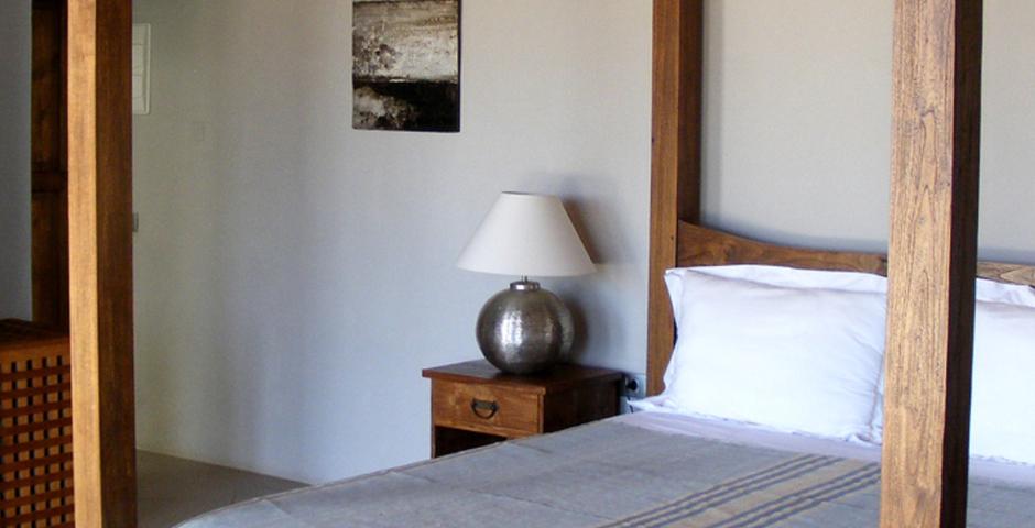 Show can jordi ibiza villa bedroom baldaquin
