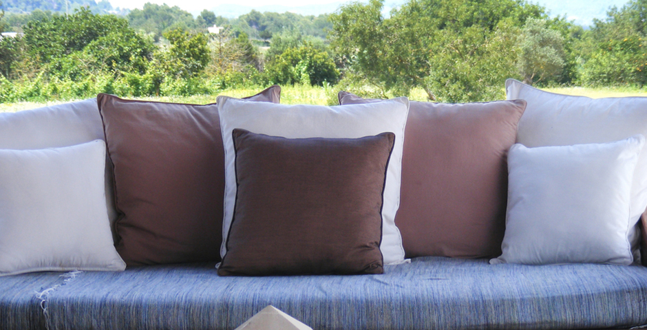 Show can jordi ibiza villa outdoo chillout detail sofa