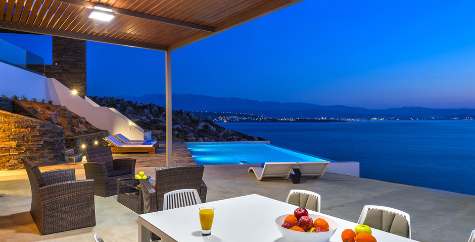 Show luxury villa crete outdoor dining 1