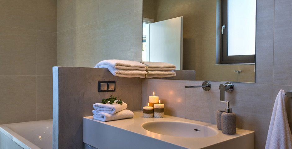 Show luxury villa crete bathroom 1