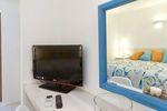 Thumb levantes bedroom amenities