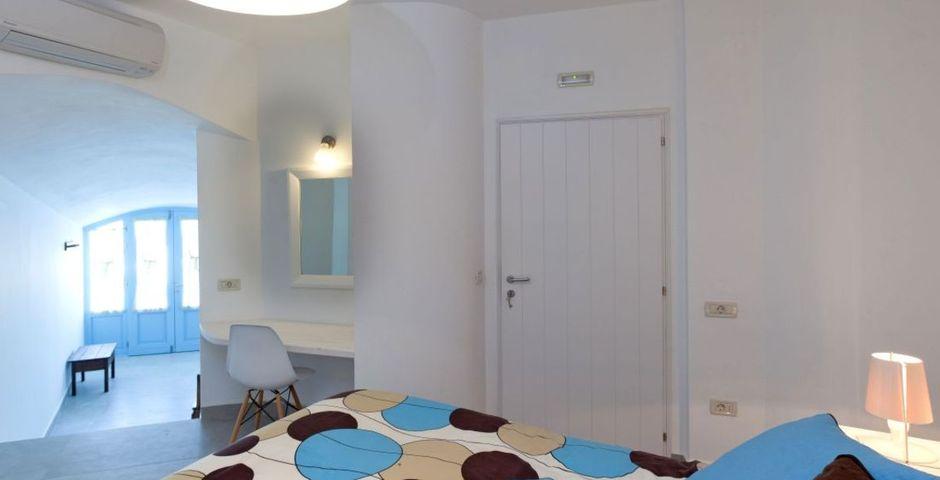 Show livas bedroom area