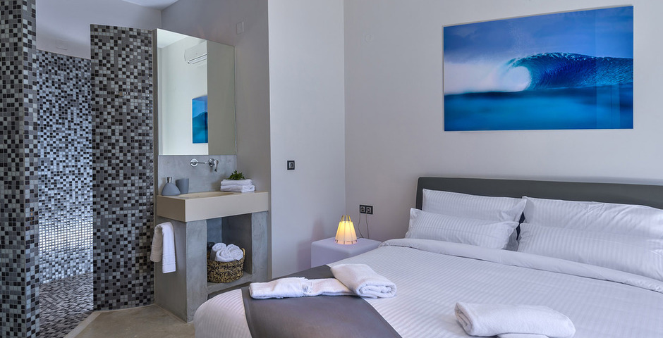 Show luxury villa crete bedroom wellness1