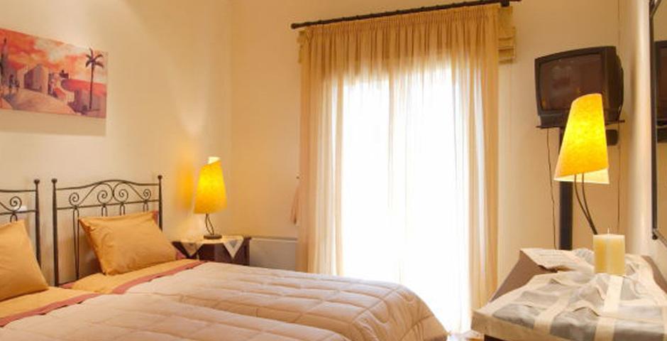 Show villa  classic bedroom3