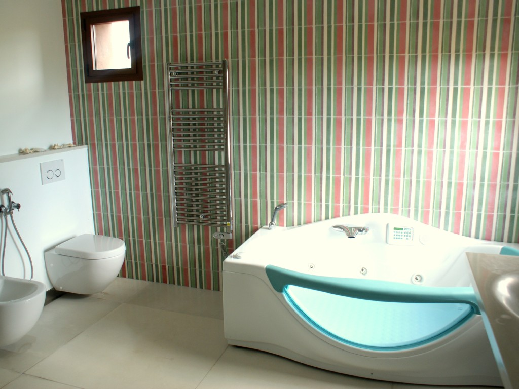 ... Show Mallorca Marina Cristals Bathroom With Whirlpool ...