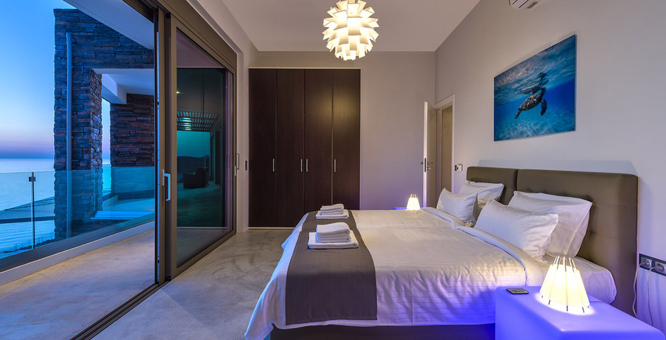 Show luxury villa crete seafront bedroom 212