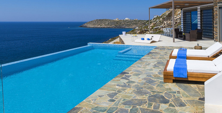 Show luxury villa crete seafront horizontal 1