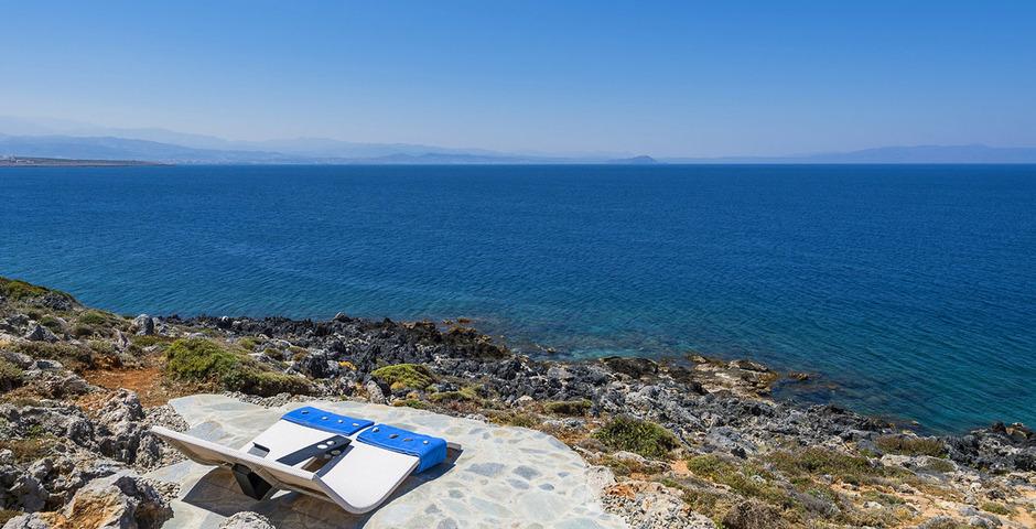 Show luxury villa crete seafront chillarea1