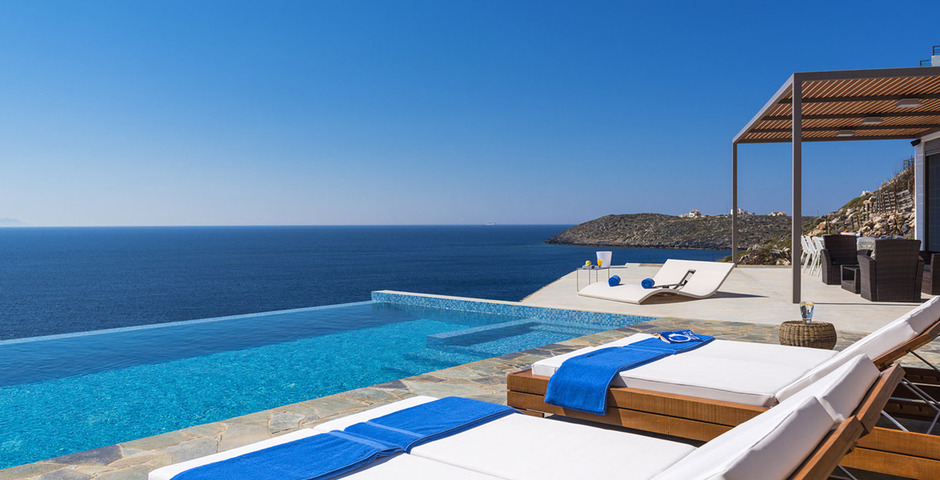 Show luxury villa crete seafront infinity private pool 16