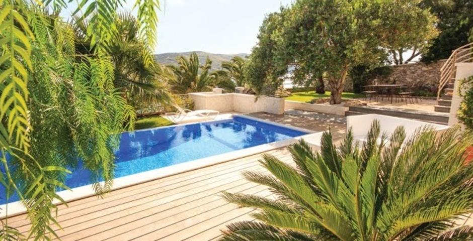 Show luxury villa trogir croatia swimmingpool terrace garden