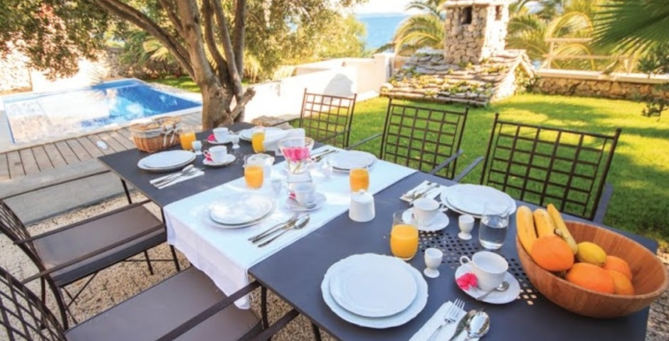 Show luxury villa trogir croatia outside dining