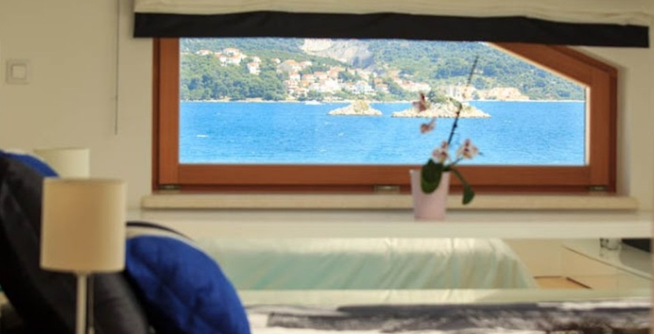 Show luxury villa trogir croatia attic bedroom seaview from bed