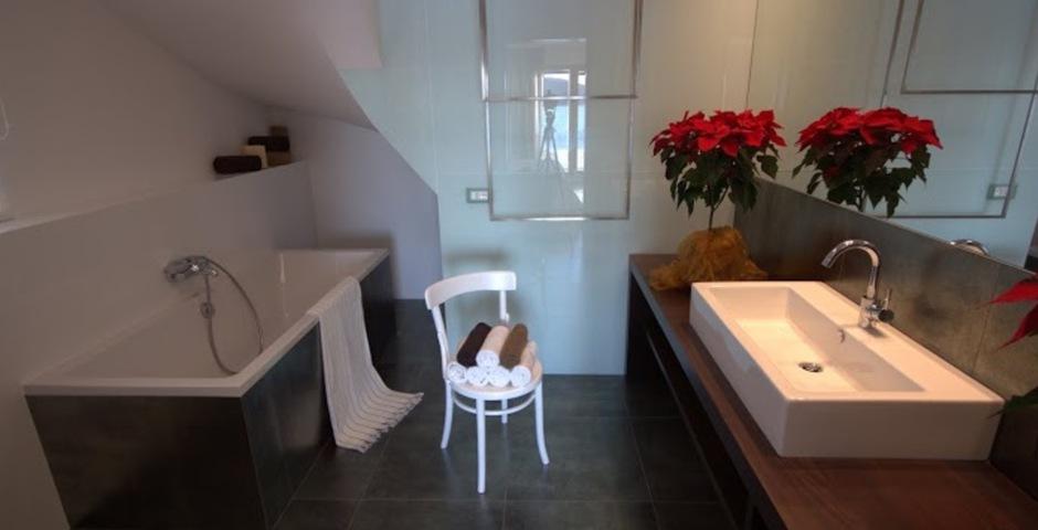 Show luxury villa trogir croatia masterbedroom bathroom