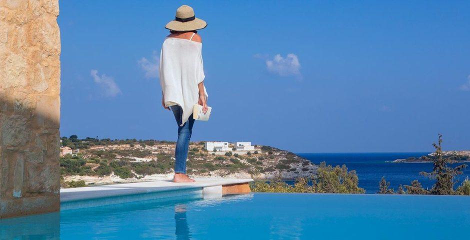 Show villa luxe bord de mer loutraki crete grece piscine privee