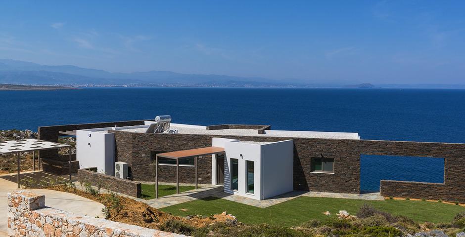 Show luxury villa crete front4