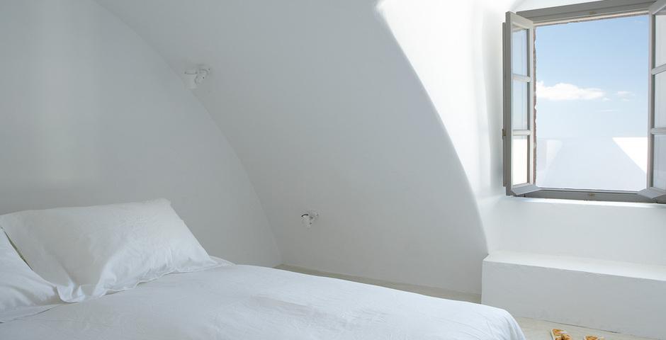 Show luxury villa santorini greece old factory loft style canava loft bedroom