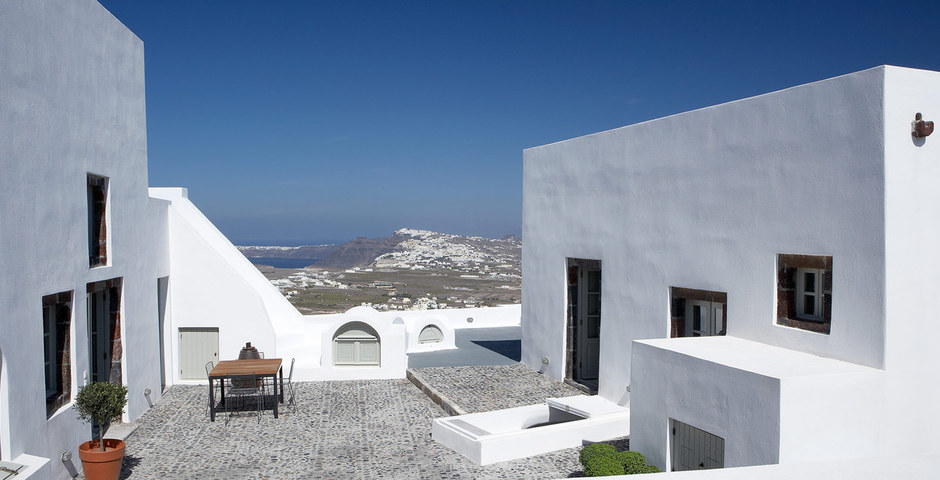 Show luxury villa santorini greece old factory loft style upper courtyard