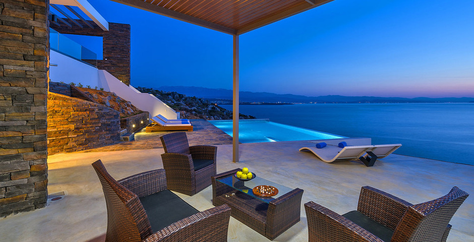 Show luxury villa crete outdoor dining 12