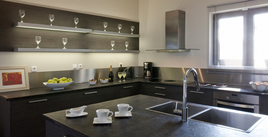 Show luxury seafront villa corfu piedra kitchen