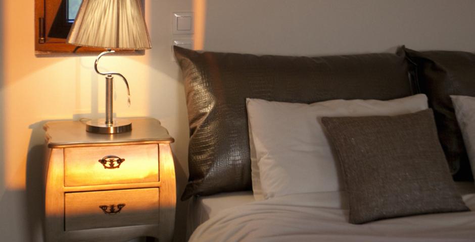 Show luxury seafront villa corfu piedra bedroom.detail