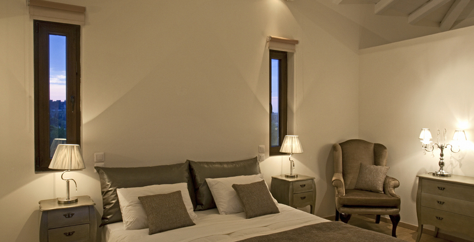 Show luxury seafront villa corfu piedra bedroom