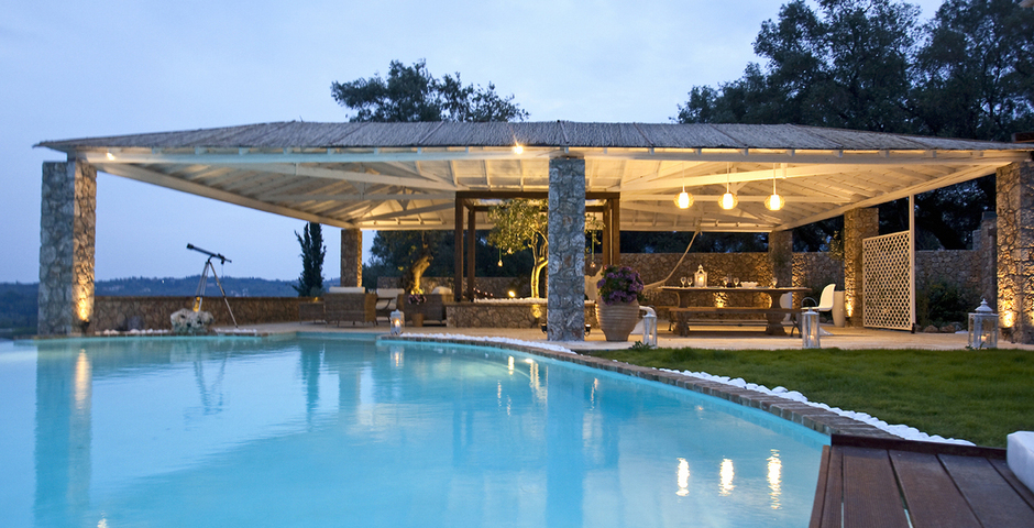 Show luxury seafront villa corfu piedra oudoor dining area swimmingpool